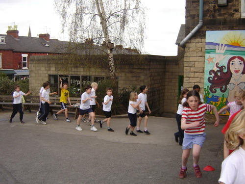 Hunters_bar_junior_school_sponsored_walk_25